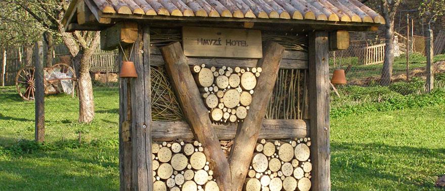 Hmyzí hotel v KYBY zahradě